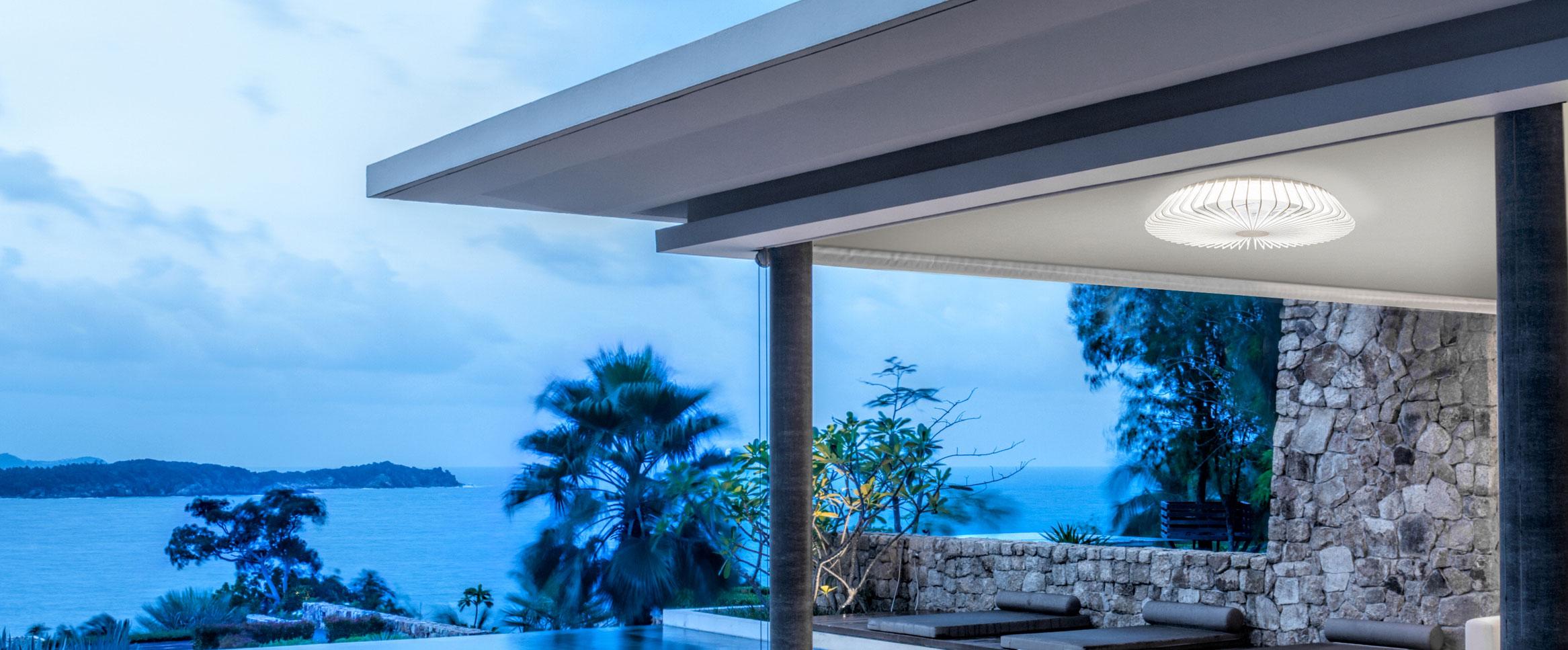 Comprar ventilador Himalaya Mantra, ventiladores plafón con iluminación Led al mejor precio. Ventiladores de techo moderno, silenciosos, con aspas ocultas para mayor seguridad, control remoto y regulables. Ventiladores de techo para interiores y exteriores, diseño contemporáneo. Mantra, una de las mejores marcas en ventilación e iluminación.